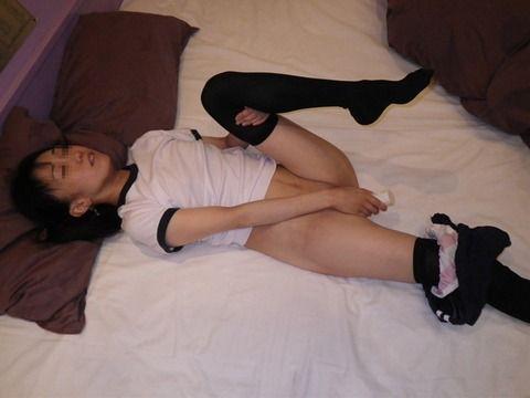 素人のお姉さんがオナニーしてるエロ画像 660e01c9