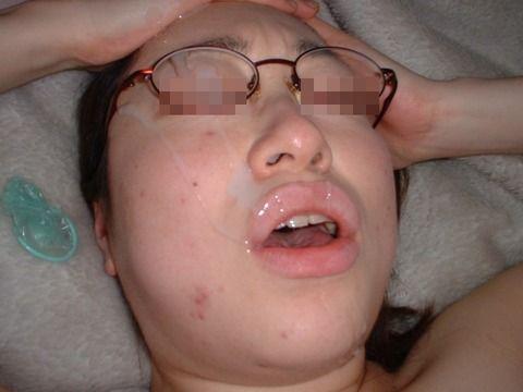 モテると勘違いした地元では有名なヤリマン肉便器素人娘のエロ画像 699a6e42