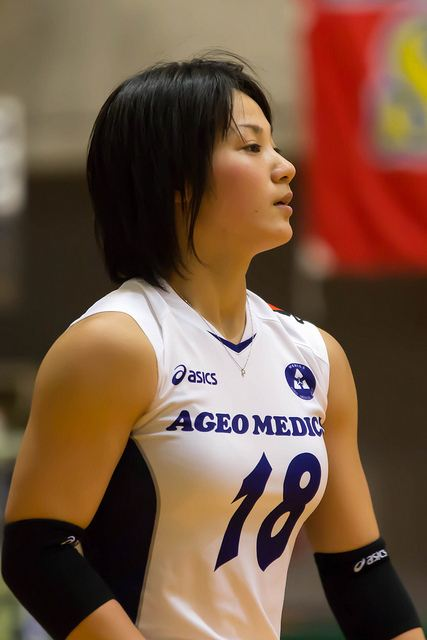 女子バレー吉村志穂のおっぱいが巨乳なエロ画像 6bddaaf5