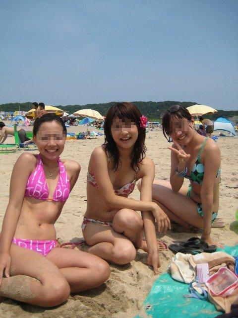 ビーチで出会ったビキニギャルが巨乳おっぱいだった素人エロ画像 6dfb5431