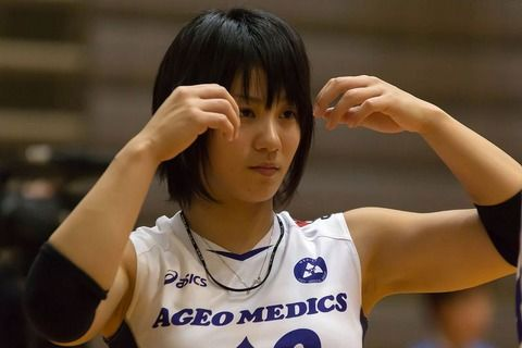 女子バレー吉村志穂のおっぱいが巨乳なエロ画像 74371fa9