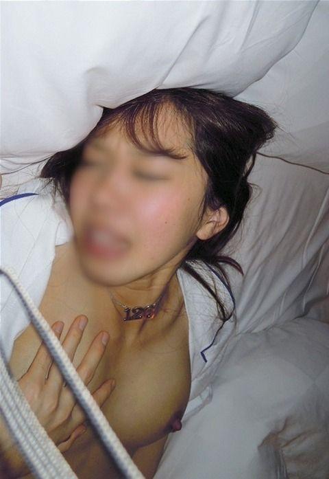 元カノとのsexがあまりに気持ち良かったのでおっぱいとかお尻を投稿した素人エロ画像 77b5917f
