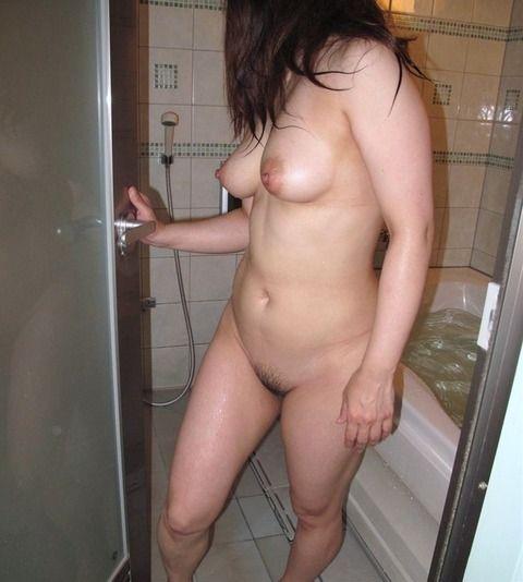 無防備な入浴中の素人娘のエロ画像 7eae5bca