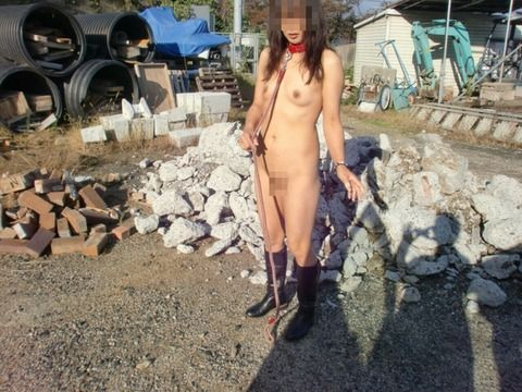 野外露出プレイが辞められなくなった素人娘のエロ画像 898119d0