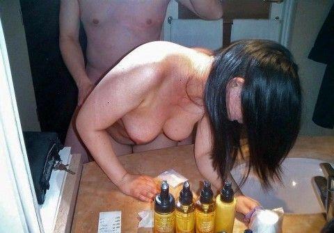 鏡越しにセフレや彼女をハメ撮りしてネット投稿した素人エロ画像 9378f3ca