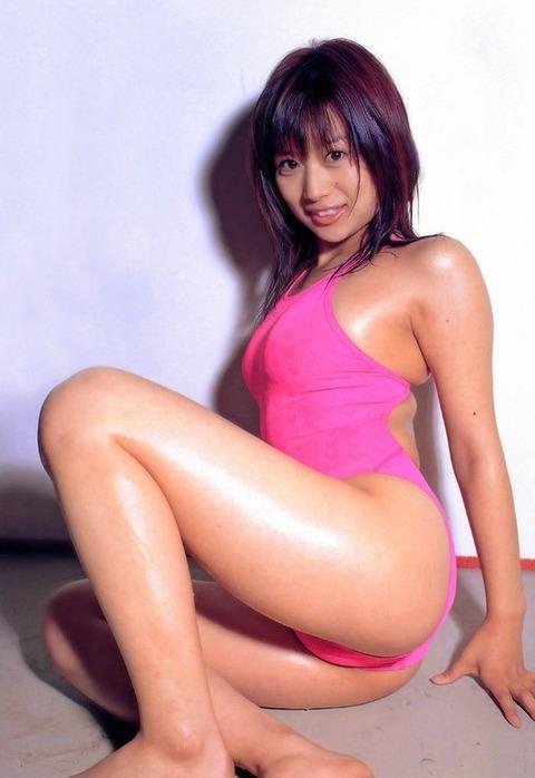 美巨乳おっぱいの佐野夏芽のエロ画像 937e4356 s
