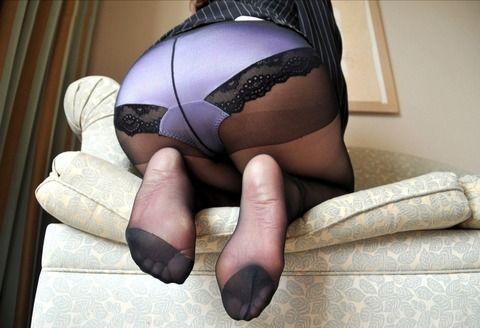 黒パンストがセクシーな素人娘のエロ画像 999c59f6