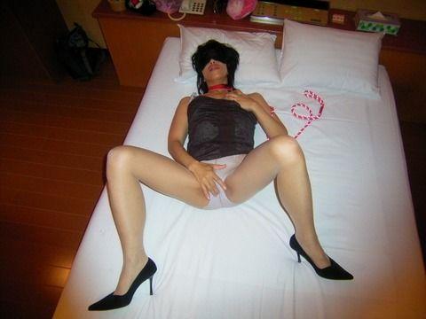 ガチ素人妻が変態な痴女プレイをしているエロ画像 a74bbc2e