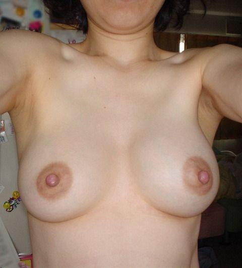 人妻たちの熟れた体がセクシーなエロ画像 b7507a53