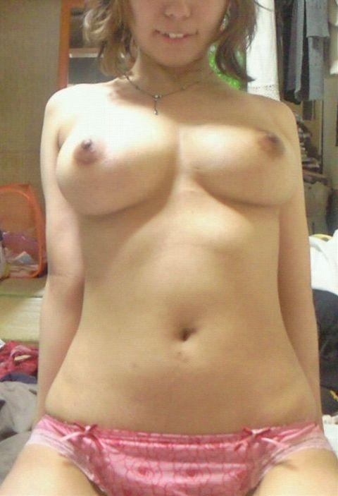 素人なのに巨乳で美乳で乳首がキレイなお姉さんのエロ画像 c06ade8e