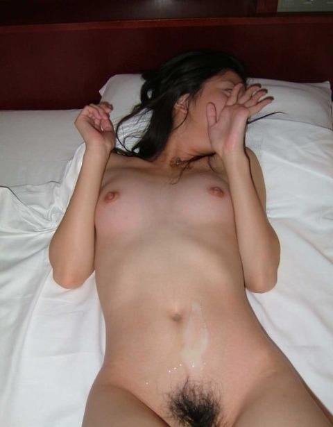 セックスした素人娘がザーメンぶっかけられてるエロ画像 c41654c6 s