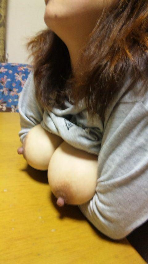 素人娘の巨乳おっぱいが結構美乳なエロ画像 d00e2626