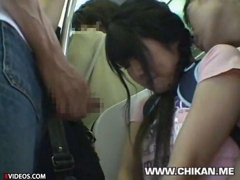 少女が満員電車で痴漢にあって顔射されるキャプエロ画像 d05ba8f5