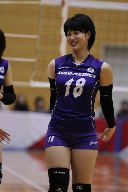 女子バレー吉村志穂のおっぱいが巨乳なエロ画像 d219a595