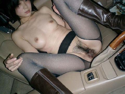 車内でカーセックスとかエッチな事してる素人娘のエロ画像 d51e0ced