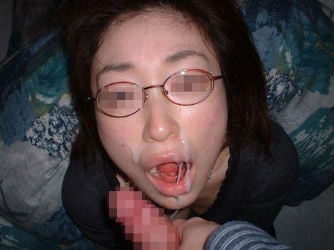 モテると勘違いした地元では有名なヤリマン肉便器素人娘のエロ画像 d7103974