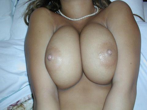 素人娘の巨乳貧乳様々なお披露目おっぱいのエロ画像 d8640fd6