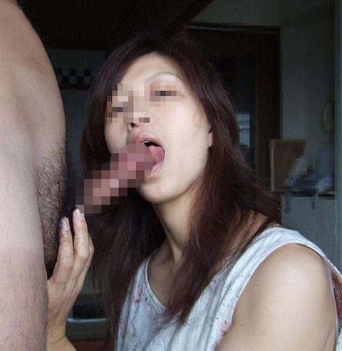 上手にフェラチオする素人娘のエロ画像 df61337a