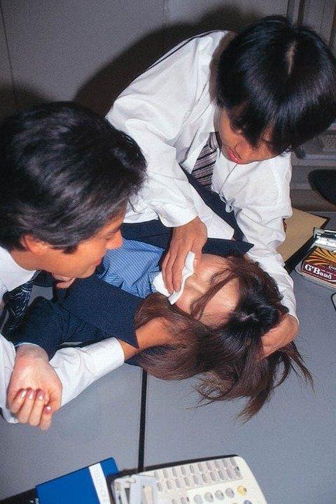 ガチ素人がレイプされてる風ヤバいエロ画像 e21763a2