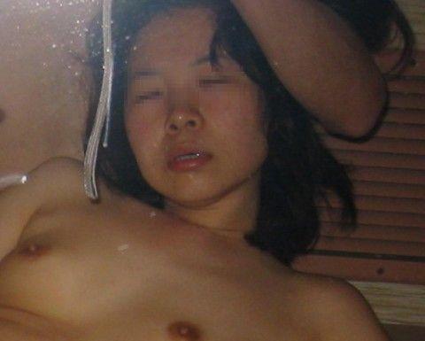素人娘のアクメ顔した喘ぎ声のハメ撮りエロ画像 e30f049c
