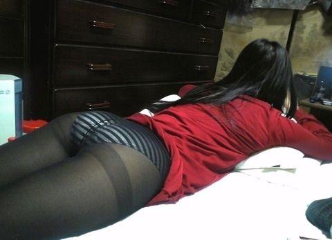 生活感出し過ぎな部屋で脱ぐ素人娘のエロ画像 e3ba0aa4