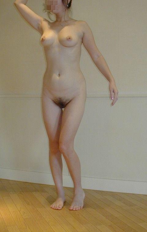 素人娘の巨乳貧乳様々なお披露目おっぱいのエロ画像 e58c77a9