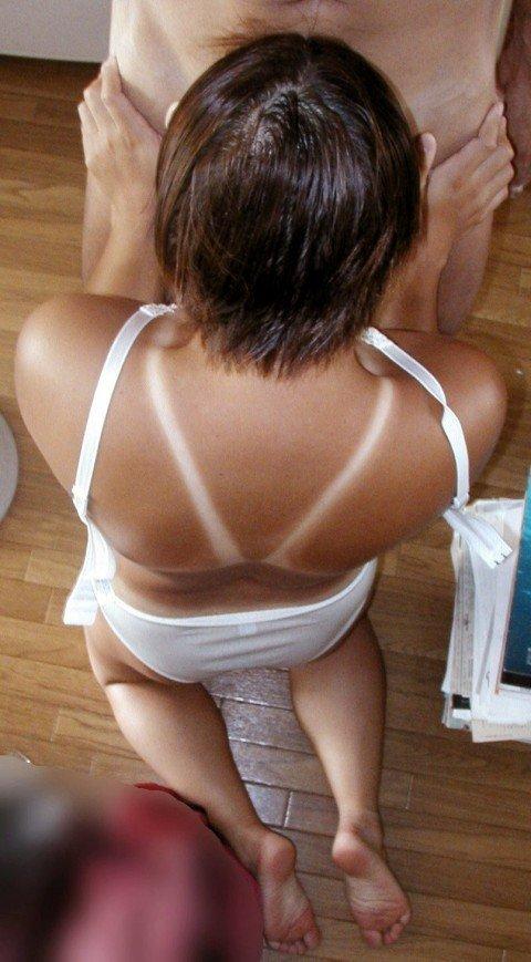 日焼けした素人娘の女体のエロ画像 e90d4bc2