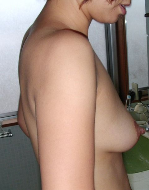 デカパンツがセクシーな素人妻のエロ画像 ead6a1b3
