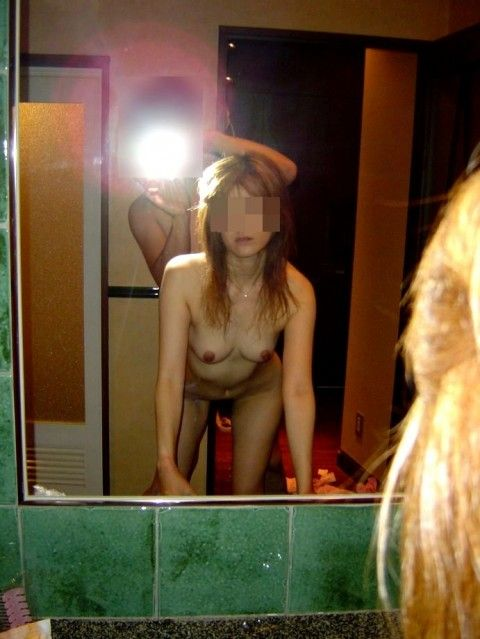 鏡越しにセフレや彼女をハメ撮りしてネット投稿した素人エロ画像 eb777f0e