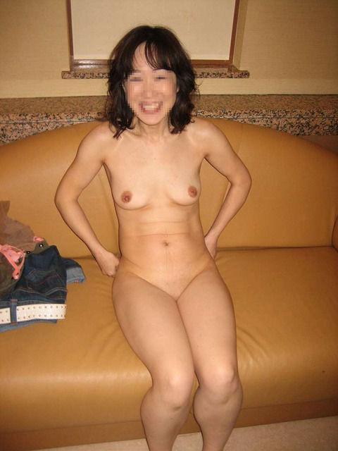 人妻たちの熟れた体がセクシーなエロ画像 ebb27a68