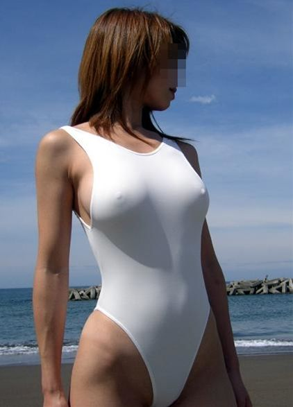透けた乳首がとっても可愛い水着女子のエロ画像 f15a6c90