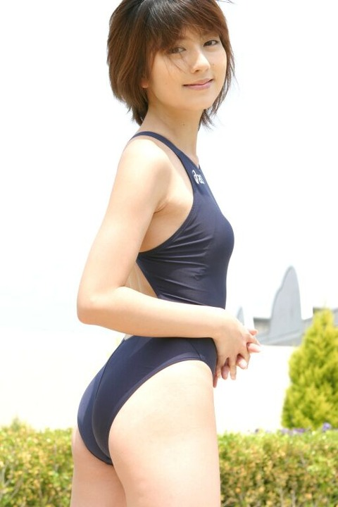 スクール水着や競泳水着を着てる美少女のエロ画像 f1a9dddf s